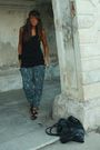 Black-h-m-shirt-blue-zara-pants-black-zara-shoes-black-balenciaga-purse-
