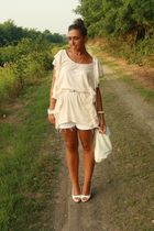 pink H&M shirt - white H&M shorts - white no brand shoes - white no brand purse
