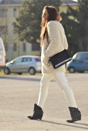 ivory Zara coat - ivory H&amp;M shirt - black Zara bag - ivory H&amp;M pants
