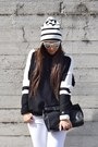 Black-zara-sweater-gold-betty-london-boots-white-asos-hat-black-zara-bag