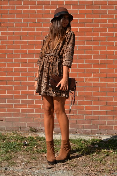 bronze boots Urban Outfitters boots - brown dress H&amp;M dress - brown hat H&amp;M hat