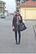 brown Zara coat - heather gray from NY t-shirt - black Zara pants - black River