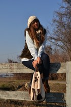 brown faux-fur vest H&M vest - light brown flats Zara shoes