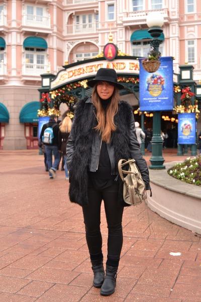 black H&M boots - black Zara coat - silver balenciaga bag - black Zara pants