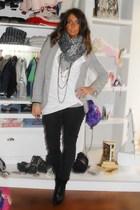 Zara blazer - H&M shirt - Zara leggings - silvian heach boots - bancarella scarf