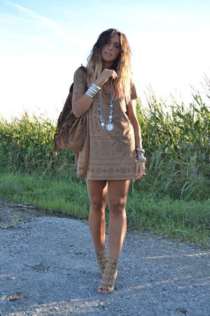 brown H&M dress - brown Zara bag - silver vintage necklace - camel BLANCO wedges