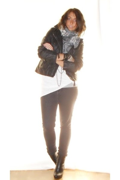 no brand jacket - H&M shirt - Zara leggings - bancarella scarf - silvian heach b
