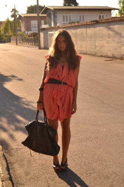 Dress H&M Dresses, Weekender Bag Balenciaga Bags, Belt H&M Man ...
