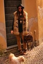 bronze zara boots boots - bronze topshop vest coat - black hm man hat hat - blac