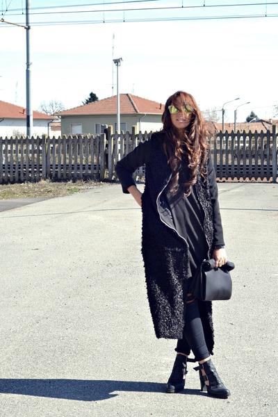 black asos boots - black romwe coat - black H&M jeans - black Zara shirt