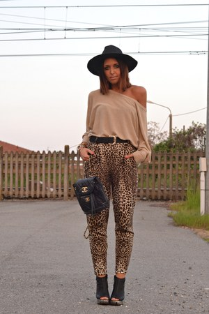 brown River Island pants - black Jeffrey Campbell wedges