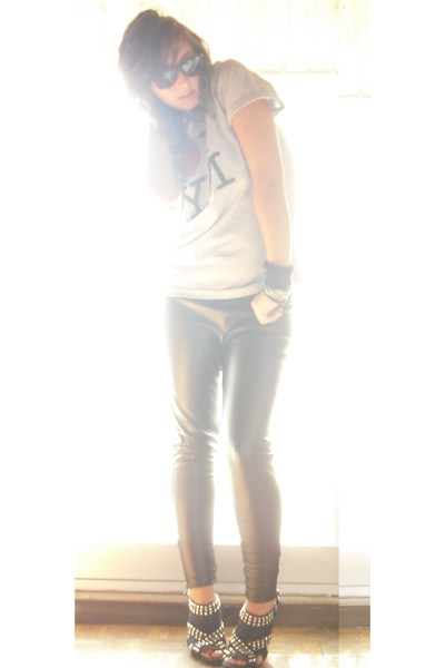 Zara pants - from NY t-shirt - Zara shoes - H&M accessories - ray-ban sunglasses