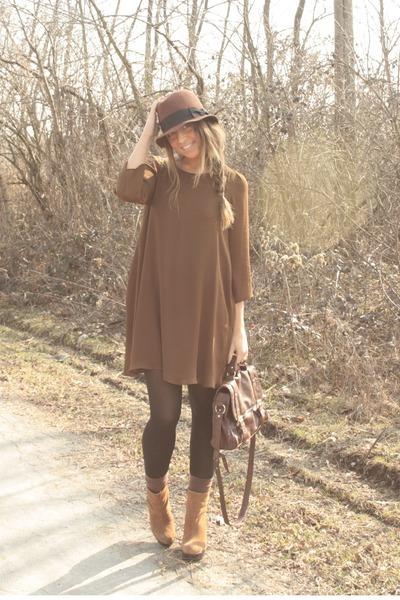 bronze boots boots - brown zara Dress dress - crimson hm hat hat - dark brown as