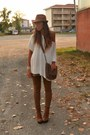 Bronze-boots-urban-outfitters-boots-bronze-hat-laredoute-hat