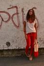 Peach-plastic-bag-gadget-from-magazine-bag-neutral-basic-tee-h-m-t-shirt