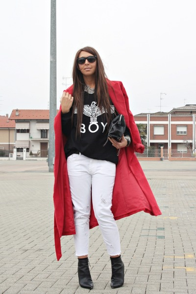 black Sheinside sweatshirt - red Sheinside coat - off white Zara jeans