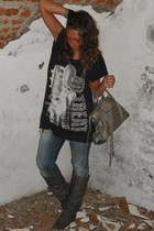 Zara t-shirt - met jeans - Coolway boots - H&M accessories