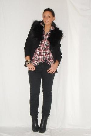 black Zara blazer - red Zara shirt - black H&M pants - black silvian heach boots