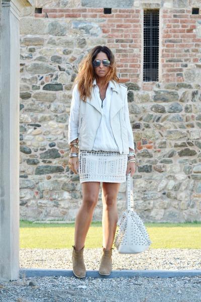 cream H&M skirt - camel asos boots - ivory Zara shirt - cream MIABAG bag