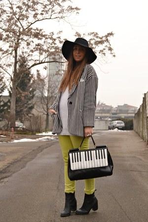 black romwe bag - white H&M sweater - black stripes blazer romwe blazer