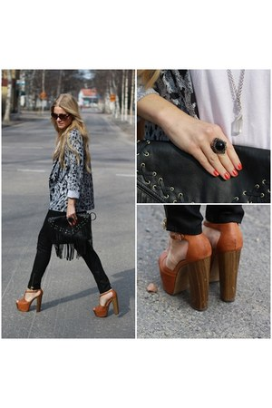 GinaTricot jeans - H&M blazer - jessica simspon clogs