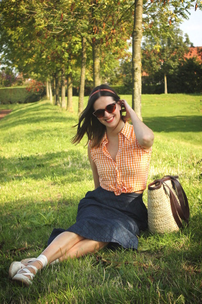 light orange blouse - tan bag - ivory wedges - navy skirt