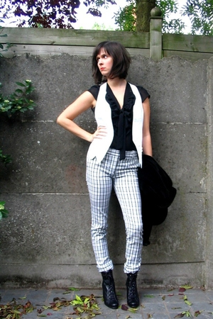 Pimkie vest - H&M blouse - Zara pants - Pimkie boots - H&M blazer