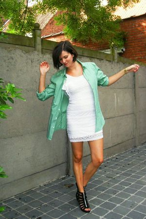 black shoes - white dress - green shirt