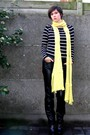 Black-pants-black-top-black-boots-yellow-scarf-yellow