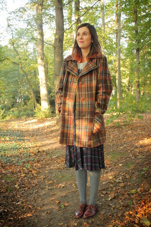 mustard coat - dark brown shoes - heather gray socks - navy skirt