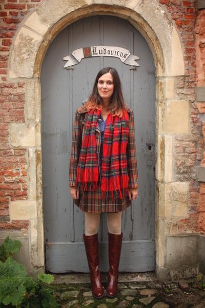 crimson boots - navy dress - dark brown coat - cream tights - ruby red scarf