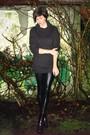 Gray-sweater-black-leggings-black-boots-silver-accessories