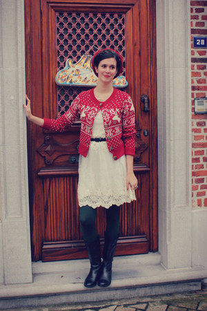 ivory dress - forest green tights - ruby red cardigan