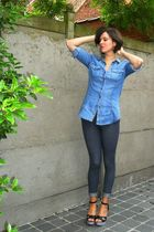 blue shirt - blue leggings - black shoes