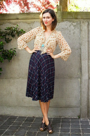 beige blouse - navy skirt - dark brown clogs - aquamarine necklace