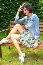 blue jacket - white shoes - yellow dress