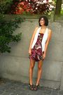 Pink-dress-white-vest-brown-shoes-brown-belt-gold-necklace