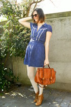 bronze boots - navy dress - eggshell tights - tawny bag