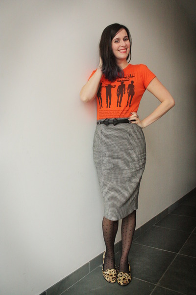gray skirt - carrot orange t-shirt - eggshell loafers