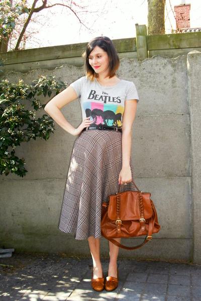 heather gray skirt - burnt orange bag - silver t-shirt - tawny loafers