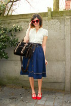 red flats - navy skirt