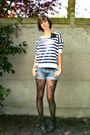 Black-tights-blue-shorts-blue-top-black-accessories-gray-boots
