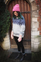 bubble gum hat - periwinkle sweater - black leggings