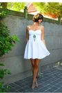 White-dress-blue-necklace-beige-shoes