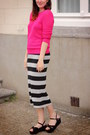 Hot-pink-sweater-black-accessories