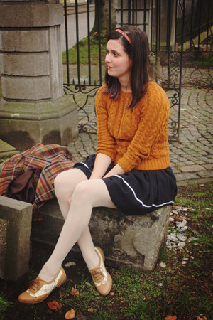 tawny sweater - bronze shoes - navy dress - eggshell tights