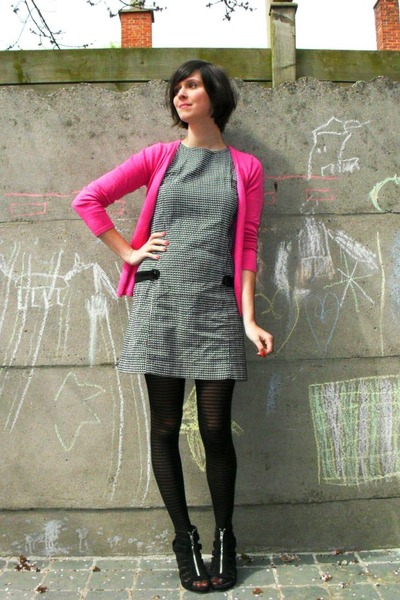 351a4ab6bce gray dress - pink cardigan - black tights - black shoes - white coat