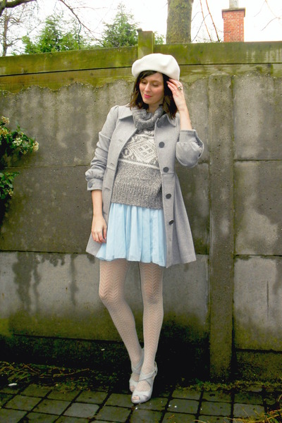 heather gray coat - ivory hat - heather gray sweater - beige tights - off white
