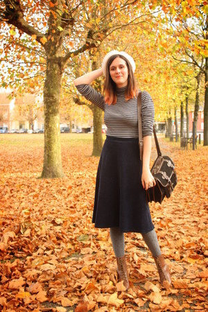 brown boots - black bag - heather gray top - navy skirt