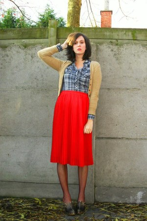 red skirt - blue blouse - magenta tights - dark brown - camel cardigan